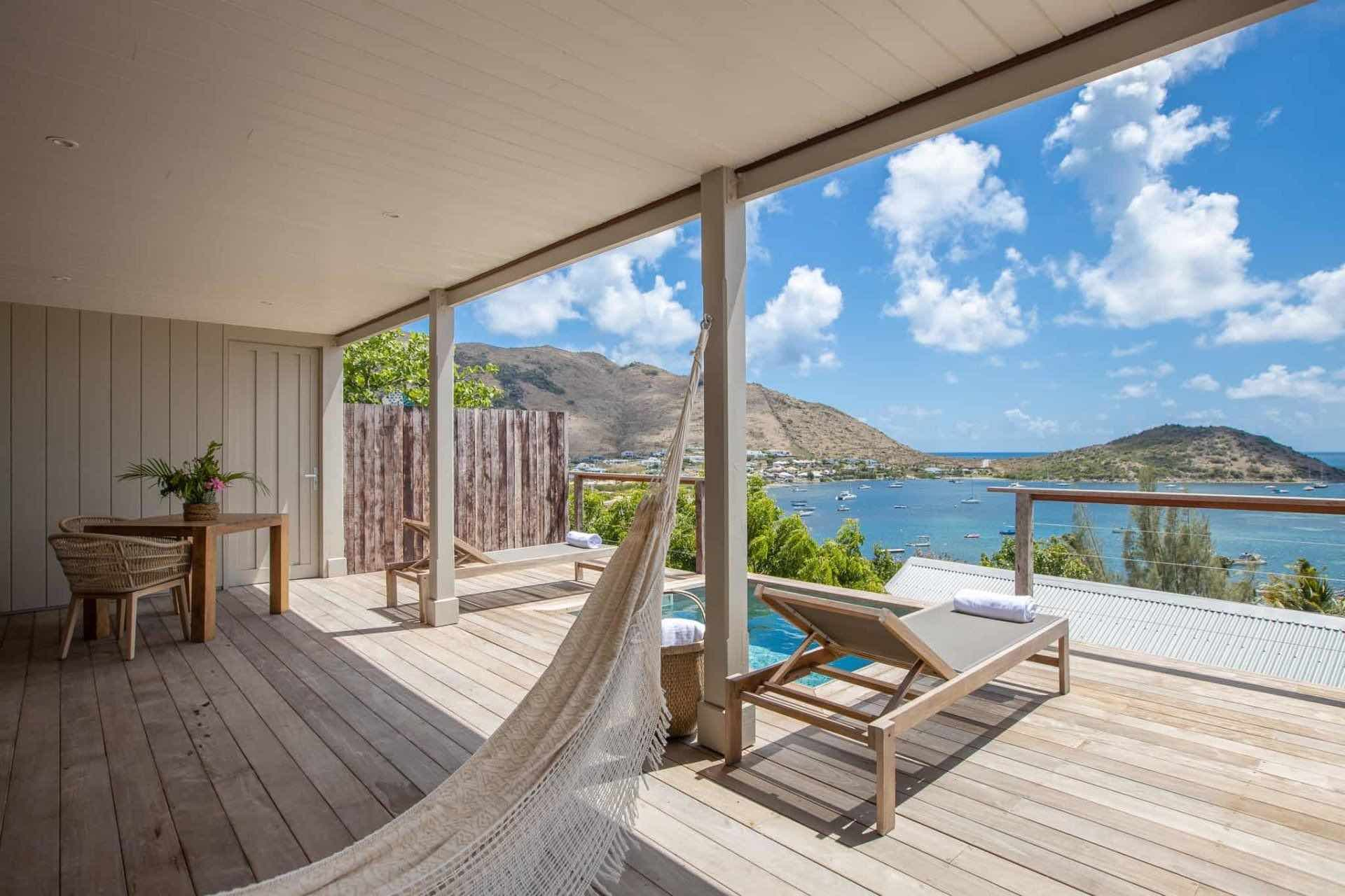 le-karibuni-boutique-hotels in St MArtin -suite-rouge balcony and hot tub