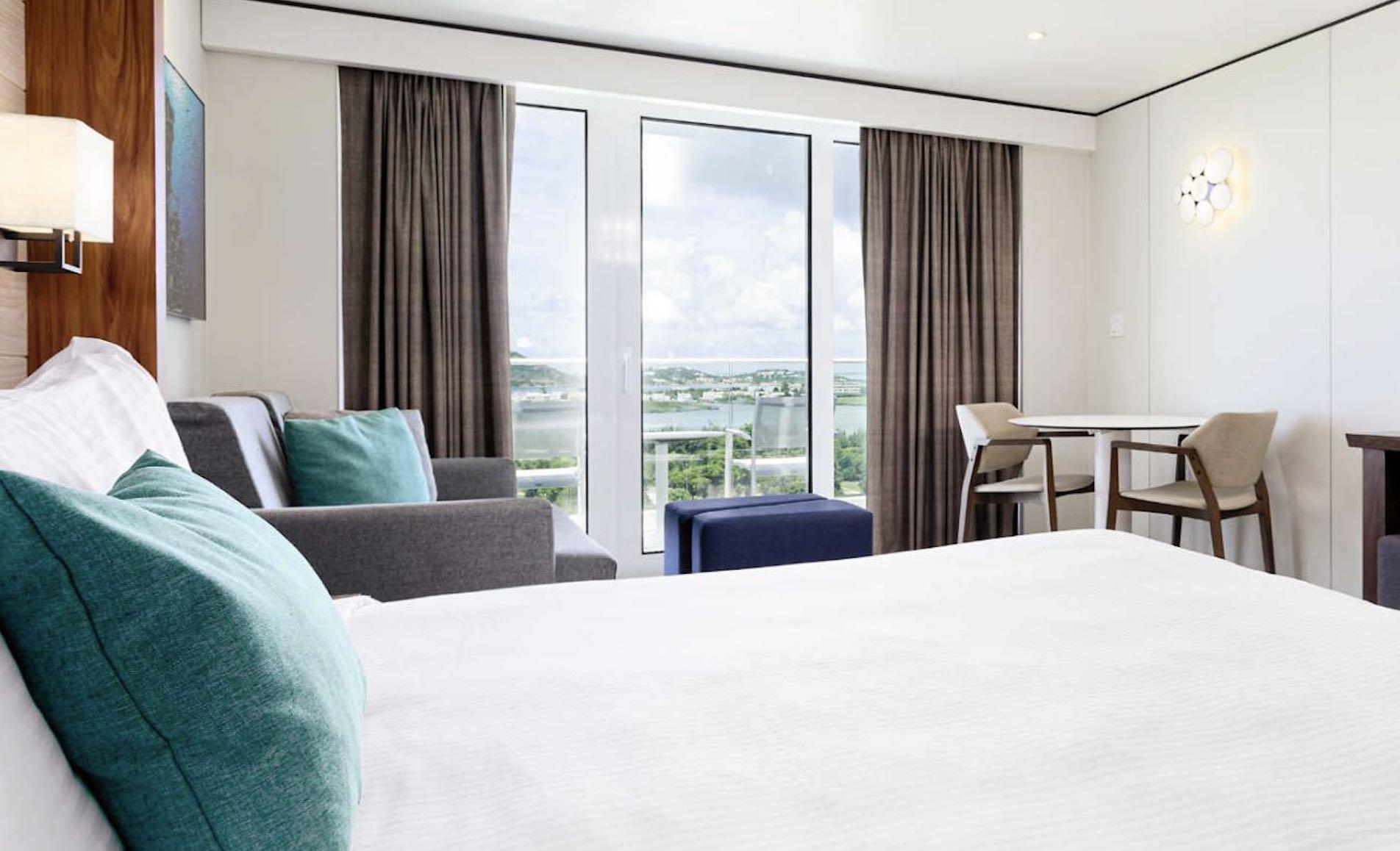 Sonesta Maho Beach Resort, Casino and Spa room